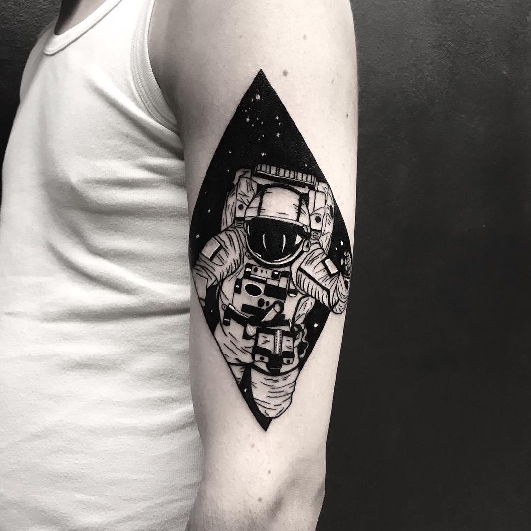 象神纹身图案                      麻先生小臂简单英文箭羽纹身图案图片
