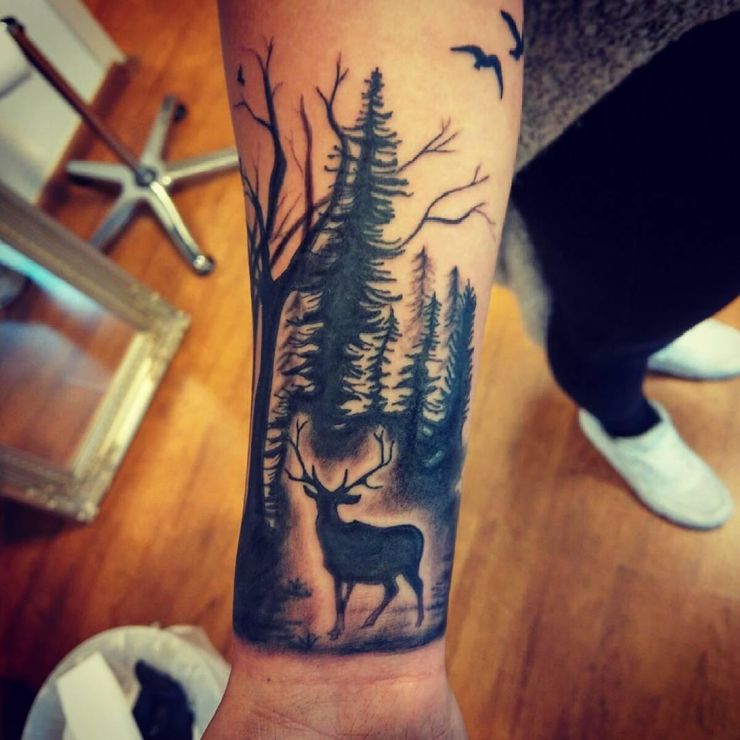 蓬先生小臂森林系鹿纹身图案
