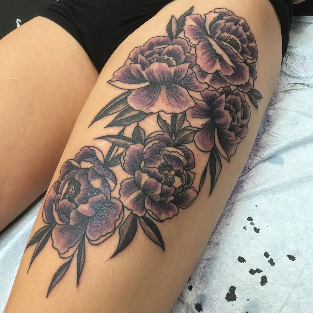 毛小姐大腿紫色牡丹纹身图案图片